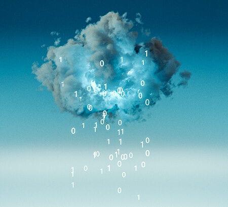 Eine Datenwolke am Himmel steht sinnbildlich für digital Business