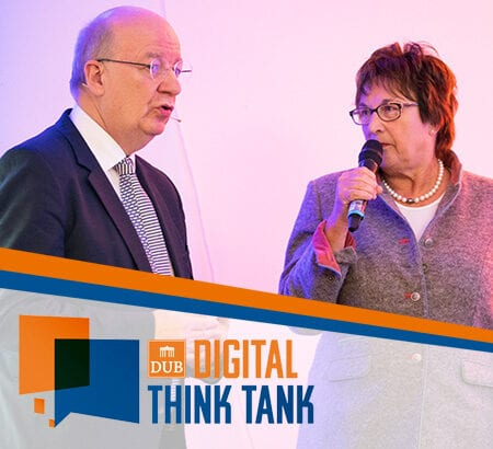 Prof. Wolfgang Wahlster und Brigitte Zypries auf der Bühne beim DUB Digital Think Tank