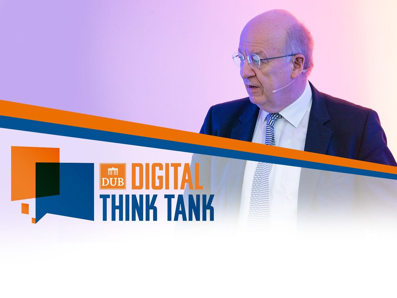 Prof. Wolfgang Wahlster auf der Bühne beim DUB Digital Think Tank