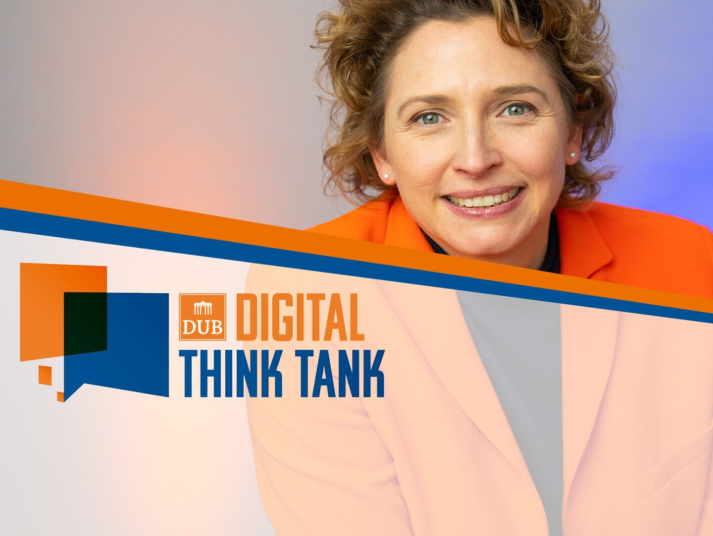 Nicola Beer auf der Bühne beim DUB Digital Think Tank