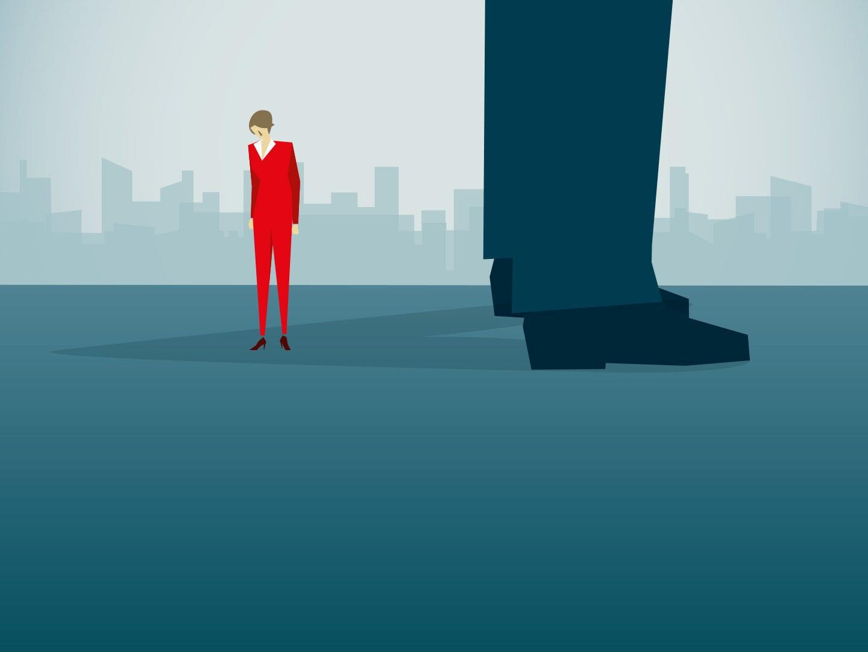 Illustration von einer Frau die neben einem riesigen Mann steht