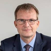 Portraotfoto Dr. Jens Baas von der Techniker Krankenkasse.