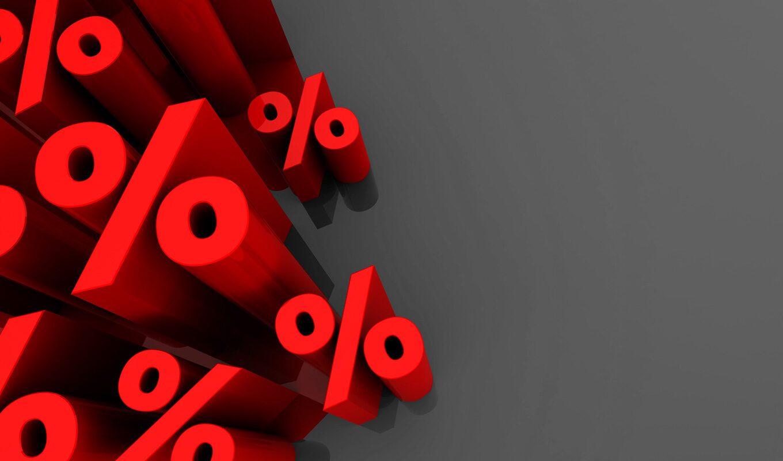 Rote Prozentzeichen: Bei vielen Finanzprodukten sind nicht alle Kosten transparent.